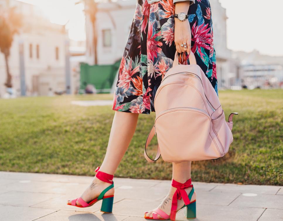 Trik Membersihkan Sepatu High Heels